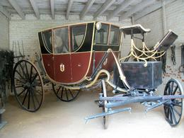 Picture George and Martha and the children setting out in this elegant carriage. On this tour, one can wander the grounds, check out the stable, carriage house, and other buildings, all very ... , Peggy B - October 2009