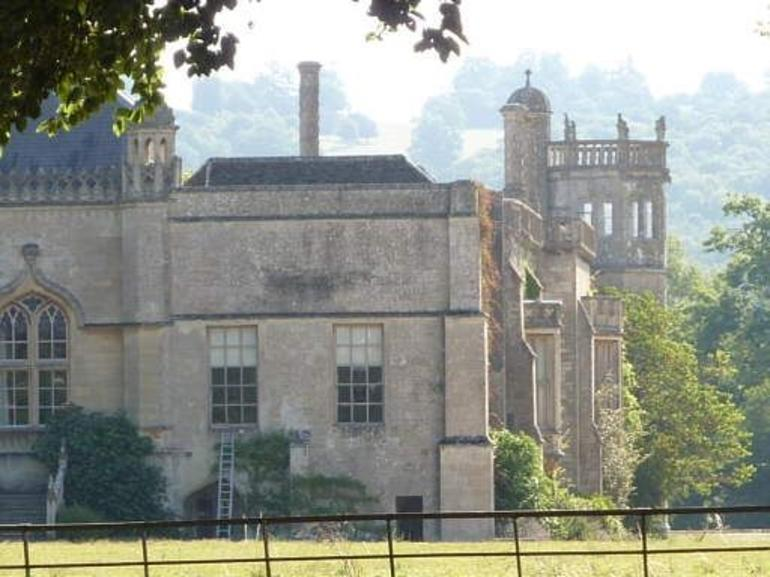 Lacock Abbey - London