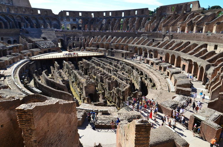 Colosseum and Forum Tour - Rome