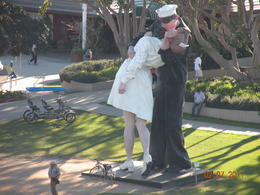Photo of San Diego Go San Diego Card Famous statue of Sailor Kissing Girl