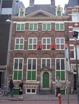 Don't miss this museum. The furnishings are a re-creation, but to see the spot where rembrandt painted many of his masterpieces as a priceless experience. And admission is included in the I Amsterdam ... , Cara Rose R - April 2009