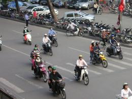 "Our first glimpse of Vietnamese traffic and ""Motorbike Melody""., Graeme C - April 2009"