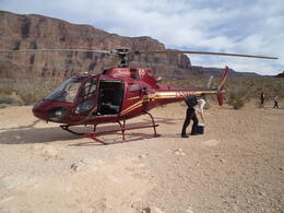 Photo of Las Vegas Grand Canyon All American Helicopter Tour helicoptere