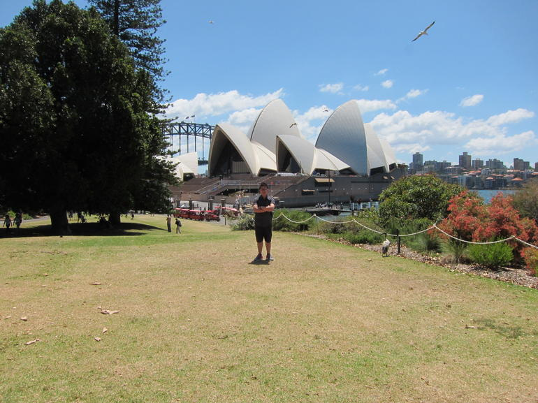 royal botanic garden with opera house view - Sydney