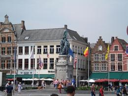This place was amazing! We stopped for lunch in this square and lunch was excellent. We also had our own time to wander around and do some shopping. Don't forget to eat some Belgium waffles! The ... , David F - July 2008