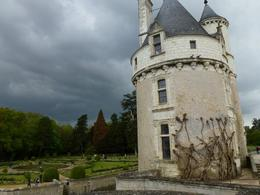 Photo of Paris Skip the Line: Chateaux de Chambord, Chenonceau and Loire Valley Wine-Tasting Day Trip from Paris Chateau Chenonceau