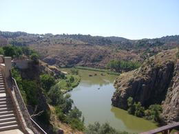 Photo of Madrid Toledo Half-Day or Full-Day Trip from Madrid le Tage vu des hauteurs de Toledo