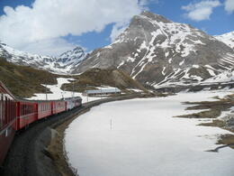 Photo of Milan Swiss Alps Bernina Express Rail Tour from Milan O  trenzinho vermelho