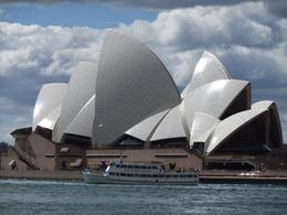 Took this great pic of the Opera House as we left Circular Quay to begin our cruise., Ainsley B - September 2010