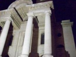 This is an eerie pic of the first site the tour guide took us to on the Jack the Ripper tour., John F - April 2008