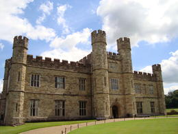 A picture-perfect day at Leeds Castle! , Jessica - July 2011