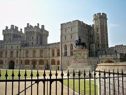 Photo of London Small Group Stonehenge, Windsor Castle and Bath Day Trip with Pub Lunch from London Windsor Castle