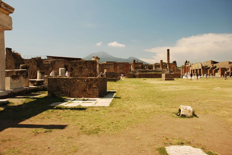 The forum at Pompeii - Rome