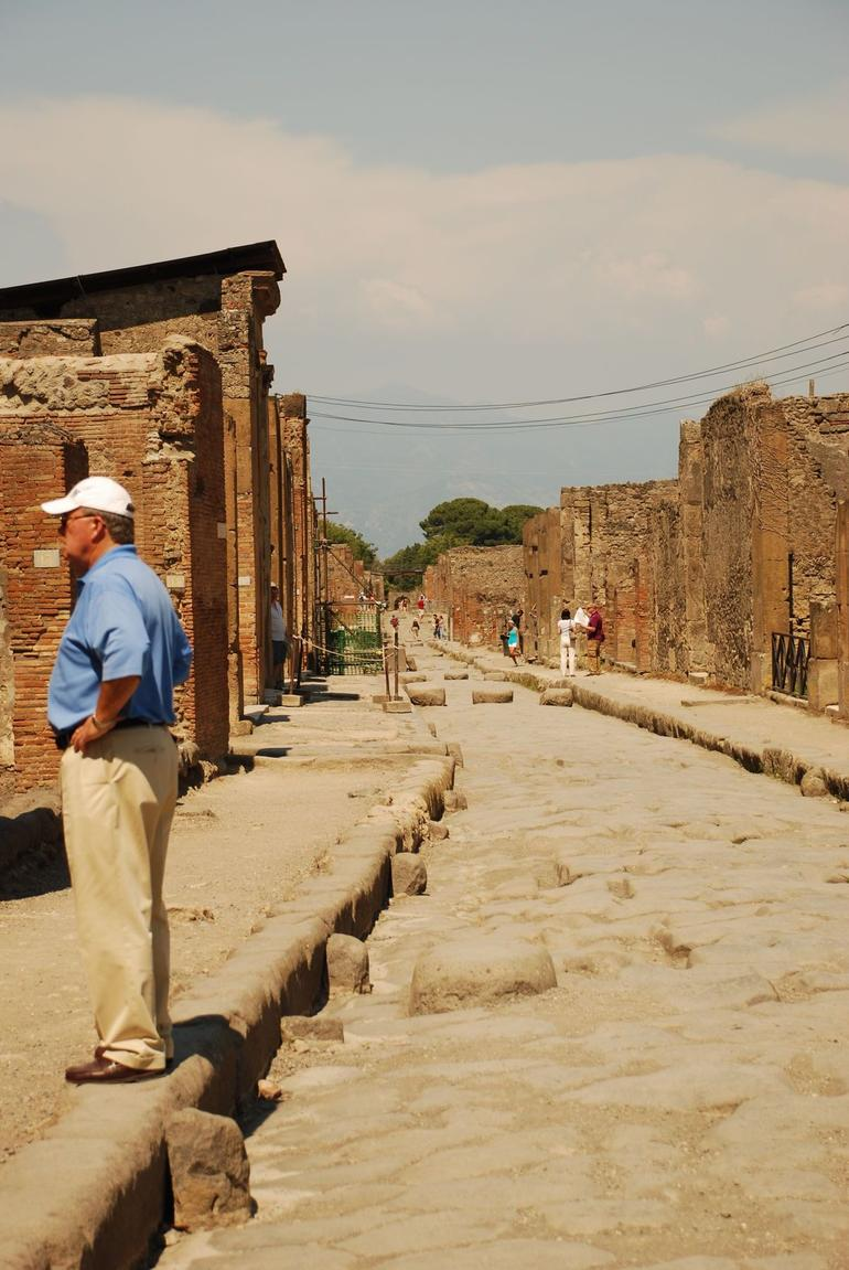 A main street in Pompeii - Rome