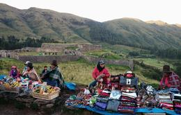 Original Andes people doing business today. , Paulo Roberto Silva - May 2014