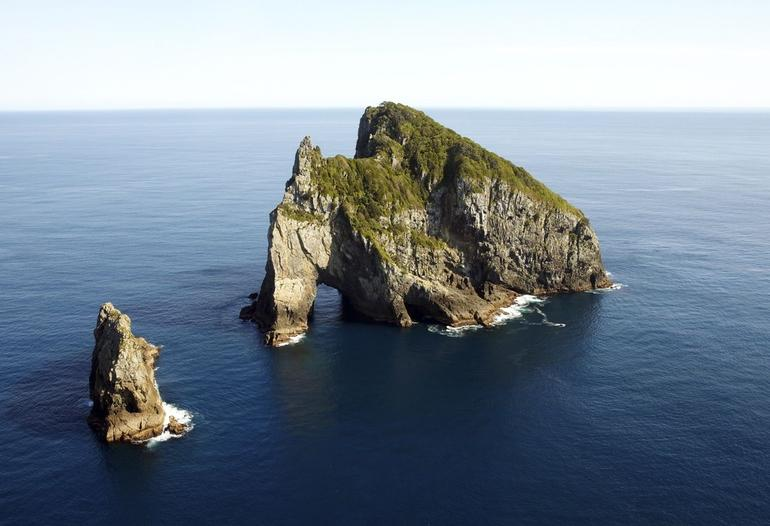 Hole in the Rock - Bay of Islands