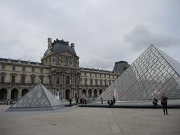 Photo of   Mystique Pyramid and Louvre
