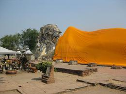 This a huge buddha having a rest with a safron robe., Duncan E - February 2009