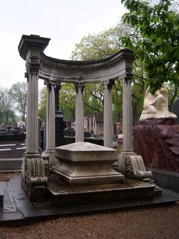 Photo of Paris Paris' Pere LaChaise Gravestone Walking Tour Roman influence