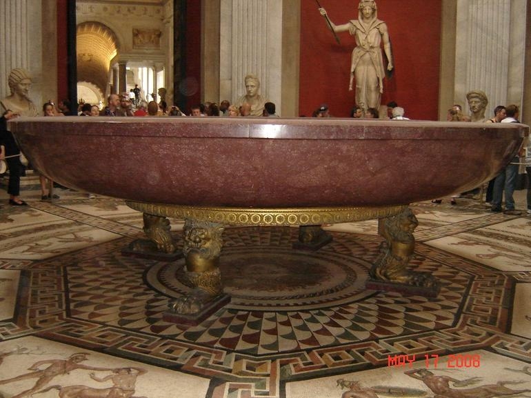 Bathtub of Nero - Rome