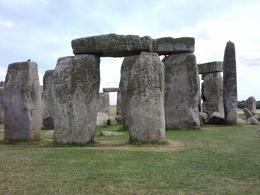 View of Stonehenge on a sunny day , didi - August 2014