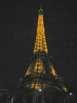 Paris' Eifel Tower , Dinorah U - December 2012