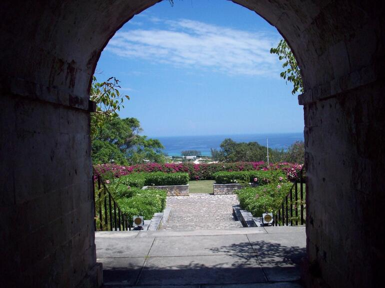 Front view - Montego Bay