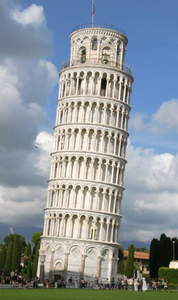 We had tons of fun posing with the Leaning Tower of Pisa! , kannd86 - September 2014