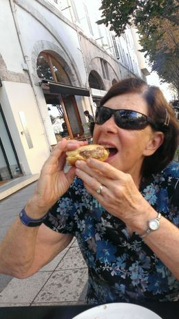 The only way to eat a Marseille hamburger! , CMagee - December 2015