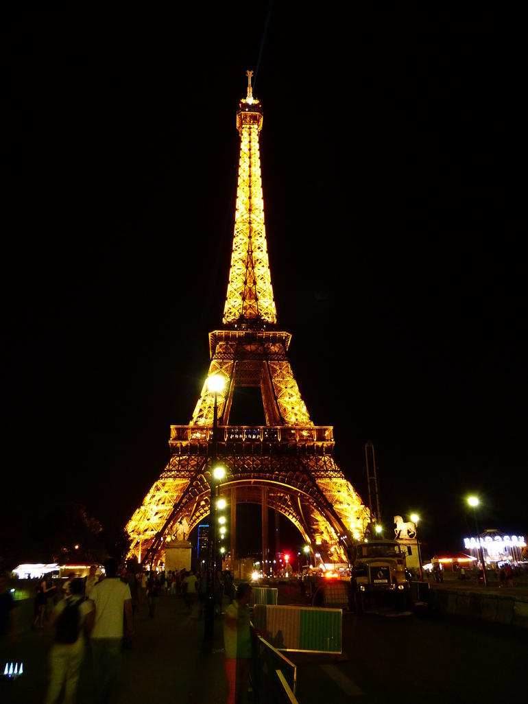 Tower at night - Paris
