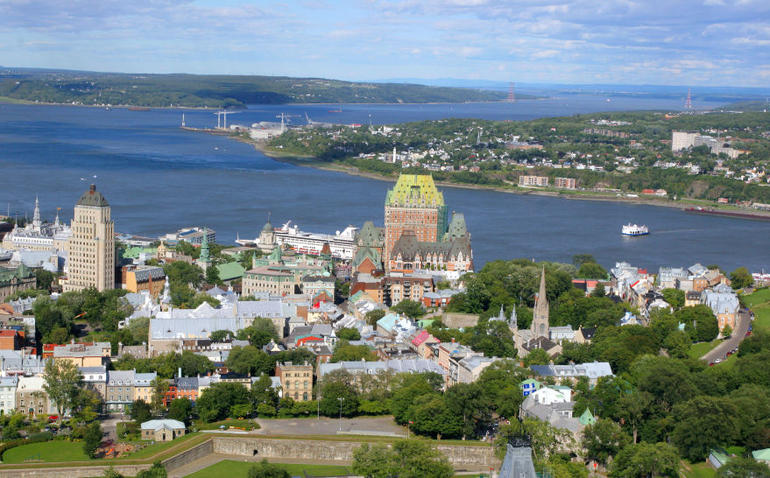Hot air balloon over Quebec City - Quebec City