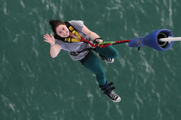 Photo of Auckland Auckland Harbour Bridge Bungy Jump After-bungy wave Auckland Bridge Bungy 2454AKL_BUNGY.jpg
