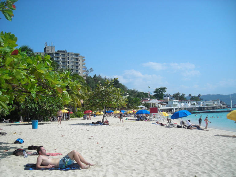 Doctor's Cave Beach - Montego Bay