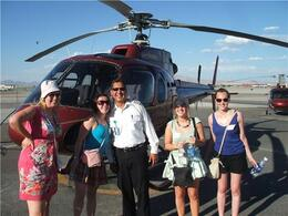 Foto von Las Vegas Grand Canyon – All American-Hubschrauberflug Pilot and Us