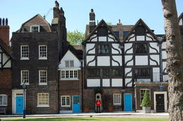 Photo of London London Full-Day Sightseeing Tour Beefeater Residence
