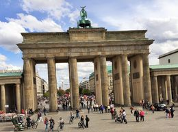 Brandenburg Gate - the second and more famous one , Tony V - September 2015