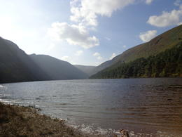Beautiful weather after a 20min during footwalk to the lake Guinness , Christiane S - September 2014