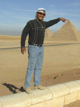 Photo of Cairo Private Tour: Giza Pyramids, Sphinx, Egyptian Museum, Khan el-Khalili Bazaar this high I can reach everything