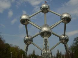 This monument was erected to celebrate a trade fair held in Brussels - June 2011