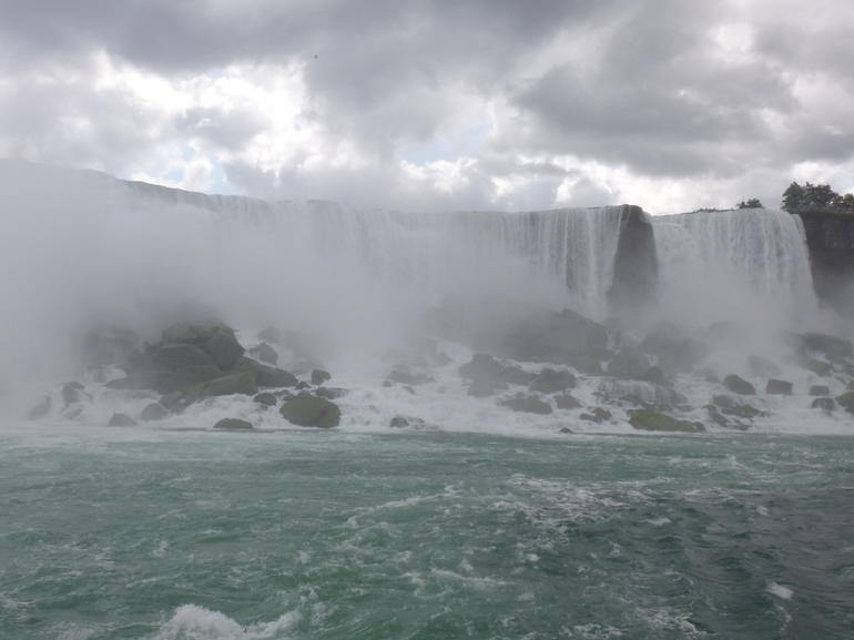 Niagara Falls Canadian Side Tour and Maid of the Mist Boat Ride photo 11