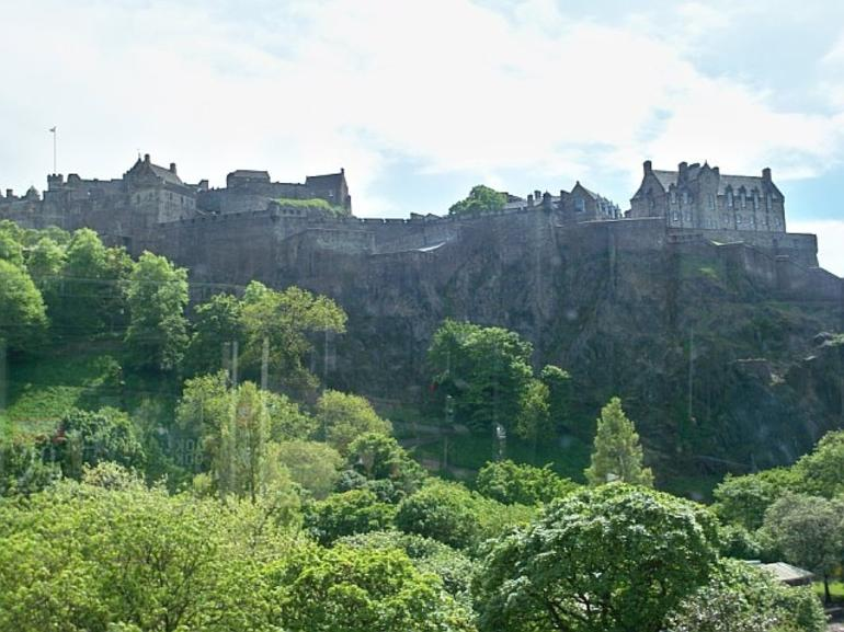 Edinburgh Castle - London