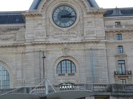 One of the historic buildings in Paris., Jamie S - December 2007