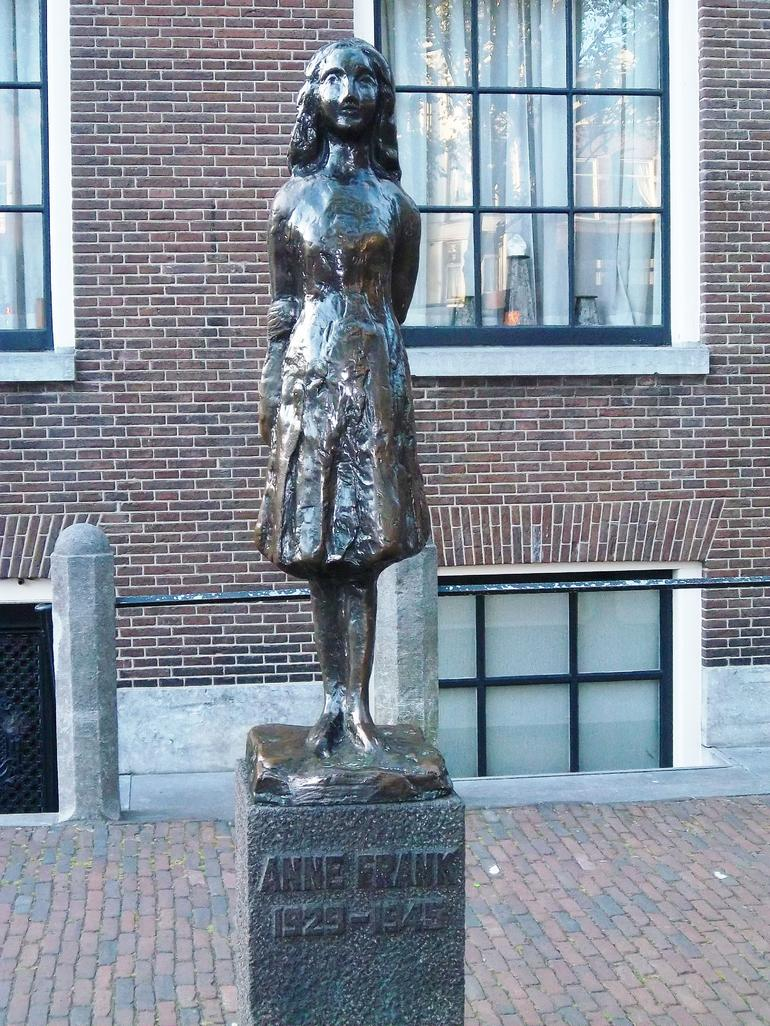 Statue of Anne Frank - Amsterdam