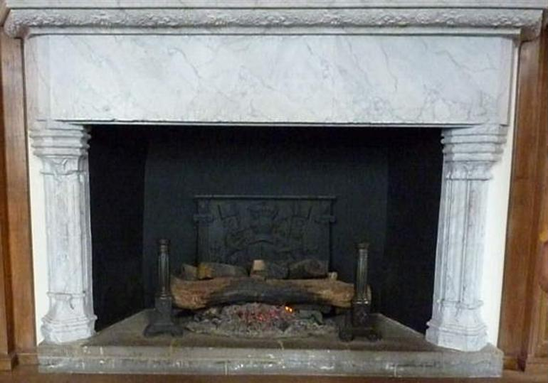 fireplace in Laich Hall - London