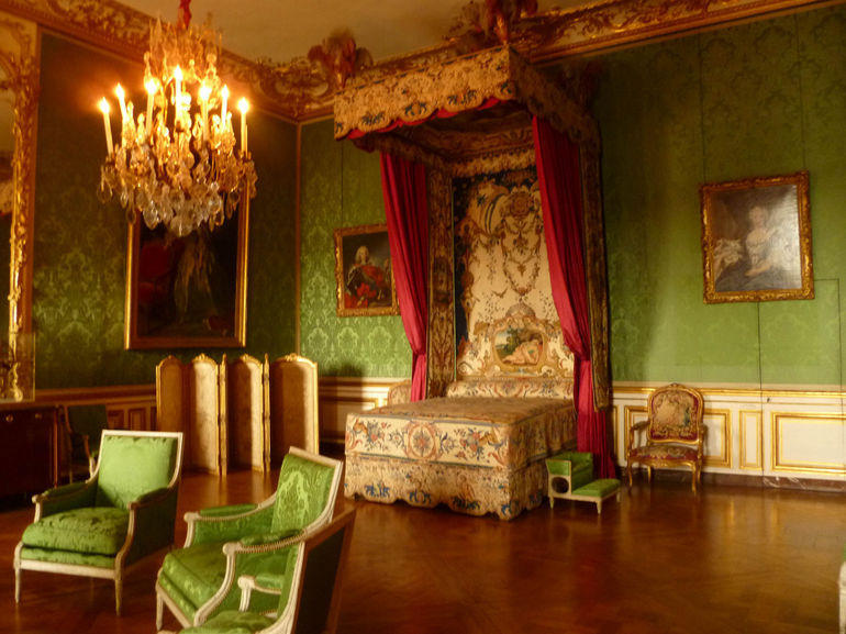 Bedroom in the palace - Paris