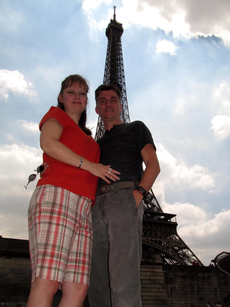 Julie and Paul at the eiffel tower