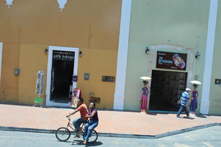 Streets passing by on the way to Chichen Itza - Cancun