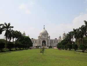 Kolkata Sightseeing Including Mother House, University of Calcutta and Victoria Memorial