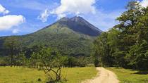 Hiking in Arenal Volcano National Park