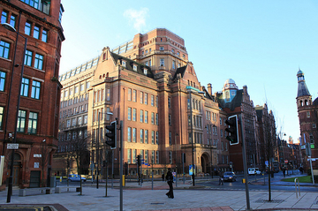 Exploring the University of Manchester's Campus